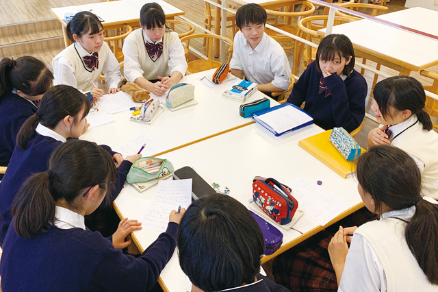『生徒同士が高め合うプログラム』先輩・友人との交流により将来を考える視点を育む